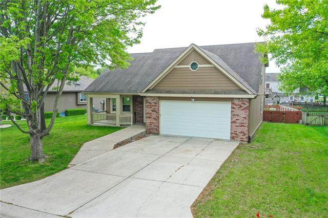 218 NE Bridge Place, Blue Springs, MO 64014 (#2320352) :: Team Real Estate