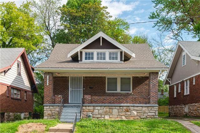 1830 E 68th Terrace, Kansas City, MO 64132 (#2320366) :: Team Real Estate