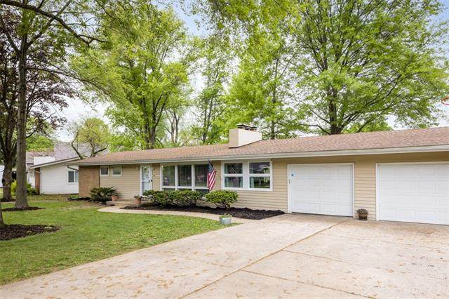 814 Ridgeway Drive, Liberty, MO 64068 (#2320410) :: Team Real Estate