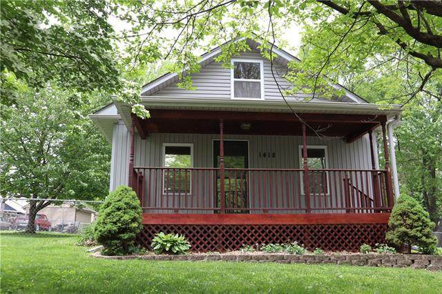1418 S Cedar Avenue, Independence, MO 64052 (#2320411) :: Team Real Estate
