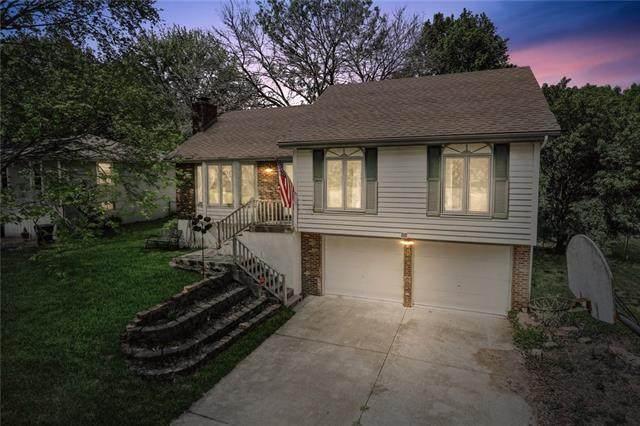 513 SE Sherri Lane, Blue Springs, MO 64014 (#2320431) :: Team Real Estate