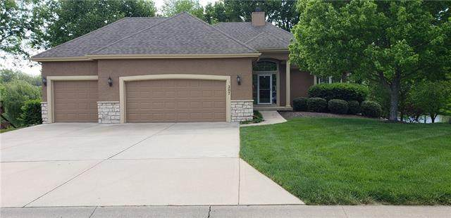 207 Shoreline Drive, Louisburg, KS 66053 (#2320433) :: Eric Craig Real Estate Team