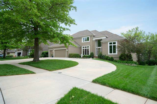 4941 W 138th Terrace, Leawood, KS 66224 (#2320438) :: Eric Craig Real Estate Team