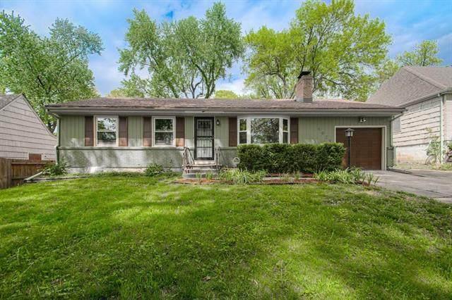 9029 Holly Street, Kansas City, MO 64114 (#2320454) :: Team Real Estate