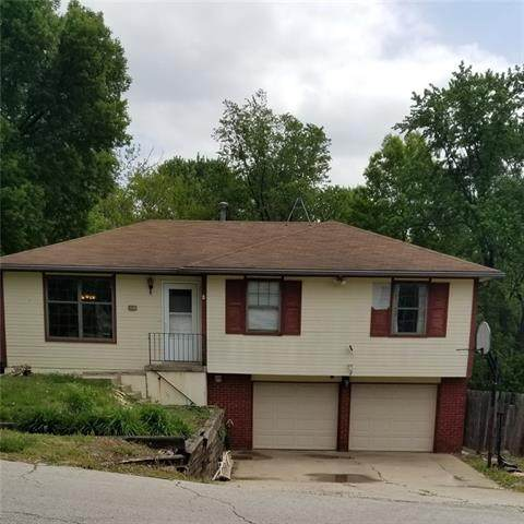 3937 Crescent Avenue, Kansas City, MO 64133 (#2320457) :: Team Real Estate