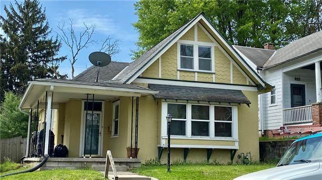 2320 Felix Street, St Joseph, MO 64501 (#2320500) :: Team Real Estate
