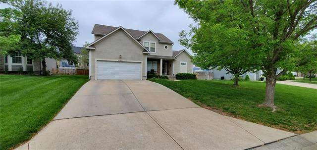 9306 Rosner Drive, Lenexa, KS 66219 (#2320511) :: Team Real Estate