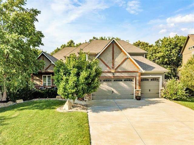 6712 Longview Road, Shawnee, KS 66218 (#2320578) :: Ron Henderson & Associates