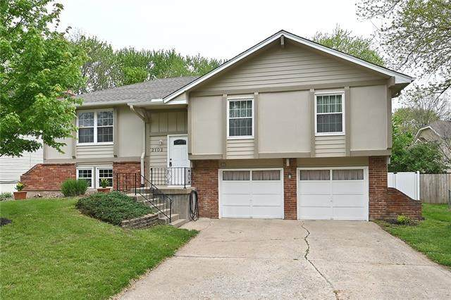 2102 NW 64th Terrace, Kansas City, MO 64151 (#2320595) :: ReeceNichols Realtors