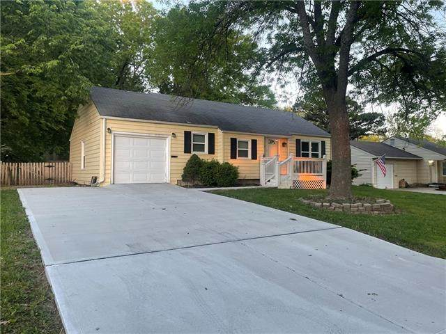 307 SW Walnut Street, Lee's Summit, MO 64063 (#2320617) :: Team Real Estate