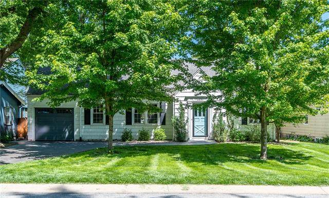 5639 Maple Street, Mission, KS 66202 (MLS #2320627) :: Stone & Story Real Estate Group