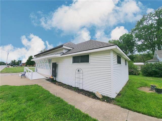 305 S Main Street, Garnett, KS 66032 (#2320643) :: Ron Henderson & Associates