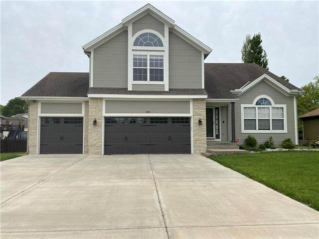 305 SW Ascot Drive, Lee's Summit, MO 64082 (#2320645) :: Team Real Estate