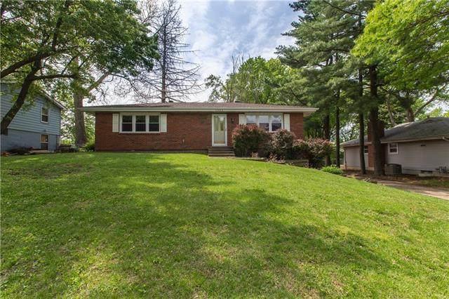 1605 NE 74th Terrace, Gladstone, MO 64118 (#2320665) :: Eric Craig Real Estate Team