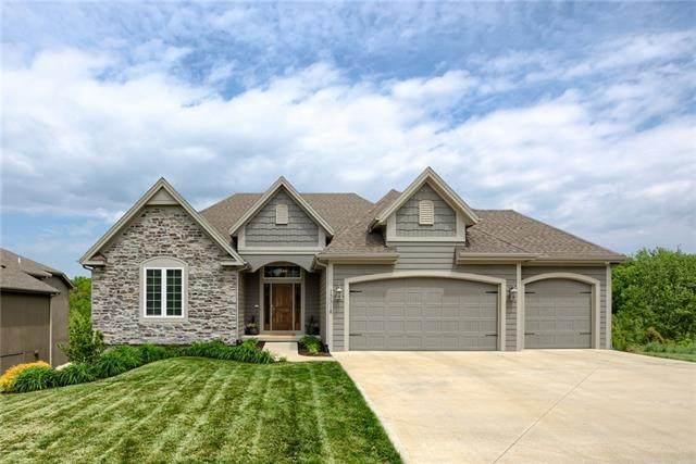 13318 W 49th Terrace, Shawnee, KS 66216 (#2320689) :: Ron Henderson & Associates