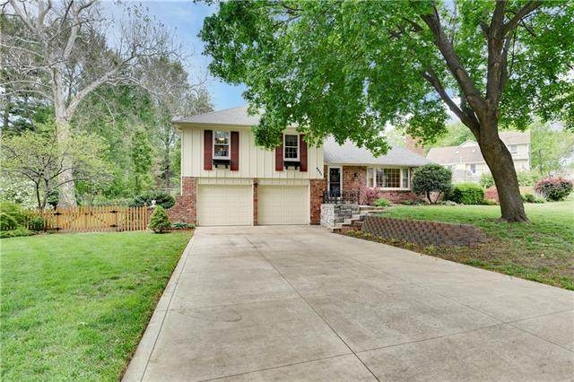 6021 Garnett Street, Shawnee, KS 66203 (#2320704) :: Team Real Estate