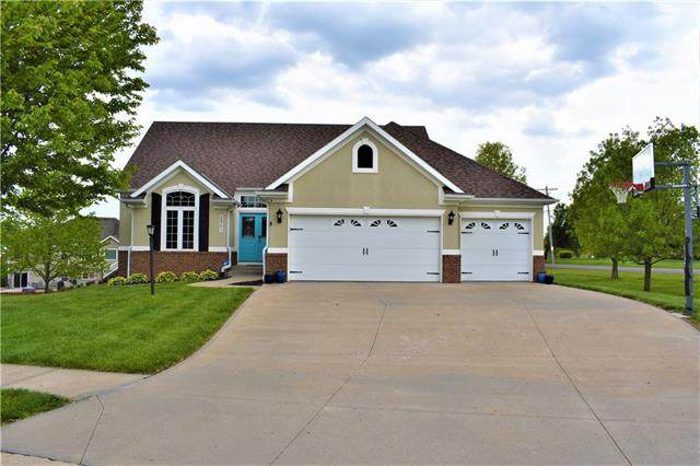 2901 Wilshire Court, St Joseph, MO 64506 (#2320718) :: The Shannon Lyon Group - ReeceNichols