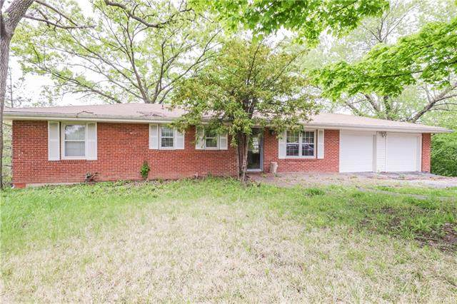 904 E Golf Hill Drive, Excelsior Springs, MO 64024 (#2320731) :: Ask Cathy Marketing Group, LLC