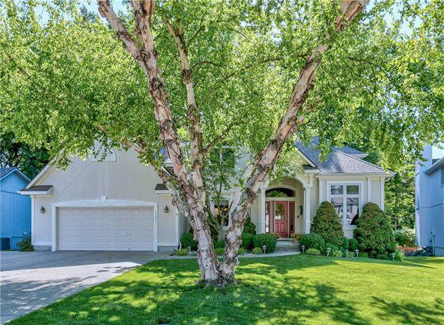 3421 S Arrowhead Court, Independence, MO 64057 (#2320785) :: Tradition Home Group | Better Homes and Gardens Kansas City