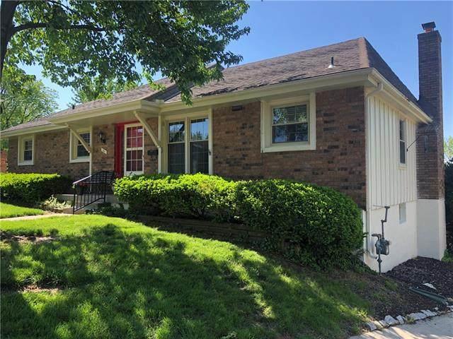 11 E Woodbridge Lane, Kansas City, MO 64145 (#2320800) :: The Kedish Group at Keller Williams Realty
