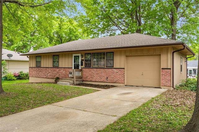 4208 S Spring Street, Independence, MO 64055 (#2320814) :: Team Real Estate