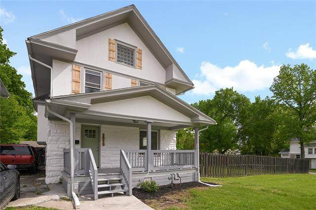 2010 E 36th Street, Kansas City, MO 64109 (MLS #2320816) :: Stone & Story Real Estate Group