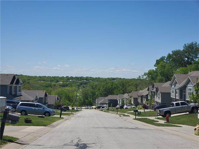 400 Fairway Road, Belton, MO 64012 (#2320858) :: Austin Home Team