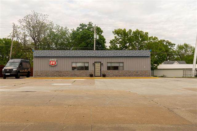 403 Main Street, Wellsville, KS 66092 (#2320899) :: Team Real Estate