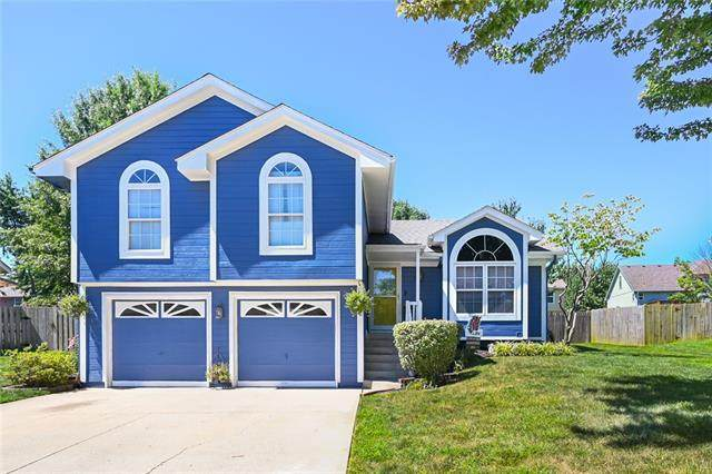 1220 NE Grand Avenue, Lee's Summit, MO 64086 (#2320926) :: Eric Craig Real Estate Team