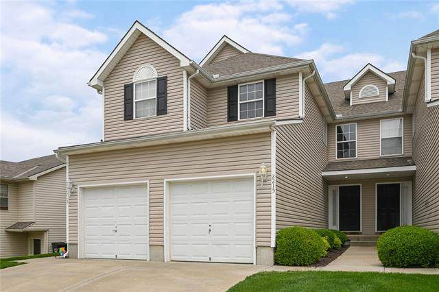 2215 SW Suncatcher Road, Lee's Summit, MO 64082 (#2320934) :: Team Real Estate