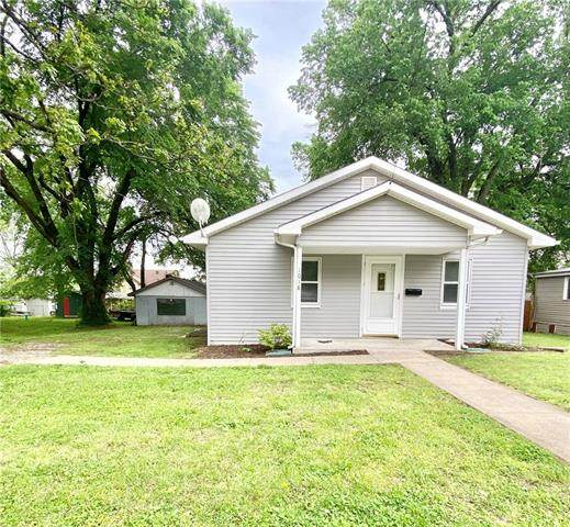 1018 E Wooter Street, Nevada, MO 64772 (#2320941) :: Edie Waters Network