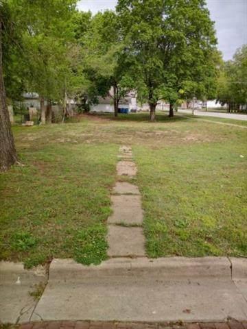 523 S Wilson Street, Fort Scott, KS 66701 (#2320942) :: Team Real Estate