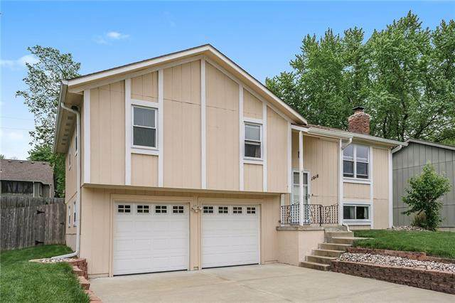 1018 N Parkway Drive, Olathe, KS 66061 (#2320962) :: Team Real Estate