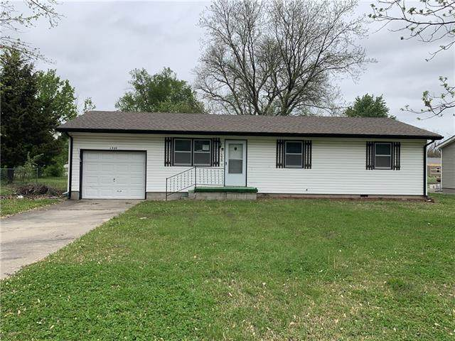 1329 Leonard Avenue, Parsons, KS 67357 (#2320963) :: Eric Craig Real Estate Team