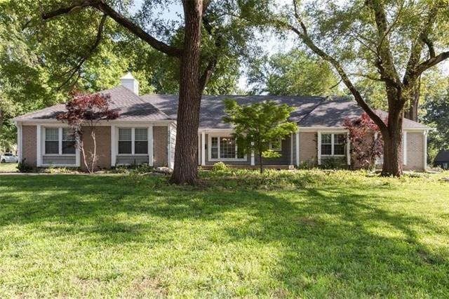 3810 W 63rd Street, Fairway, KS 66208 (MLS #2320969) :: Stone & Story Real Estate Group