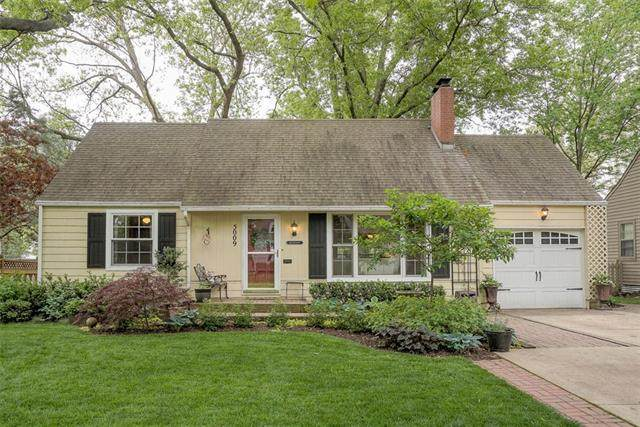 5009 W 73rd Street, Prairie Village, KS 66208 (#2320979) :: Tradition Home Group | Better Homes and Gardens Kansas City