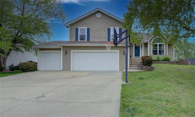 10111 N Highland Place, Kansas City, MO 64155 (#2320980) :: Eric Craig Real Estate Team
