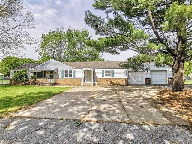 6416 Monrovia Street, Shawnee, KS 66216 (#2320993) :: Ron Henderson & Associates