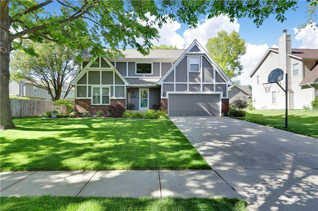 15310 W 78TH Terrace, Lenexa, KS 66215 (#2320999) :: Team Real Estate