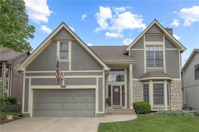 11708 W 115th Street, Overland Park, KS 66210 (#2321006) :: Eric Craig Real Estate Team