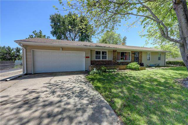 13505 E 12th Terrace, Independence, MO 64050 (#2321007) :: Dani Beyer Real Estate