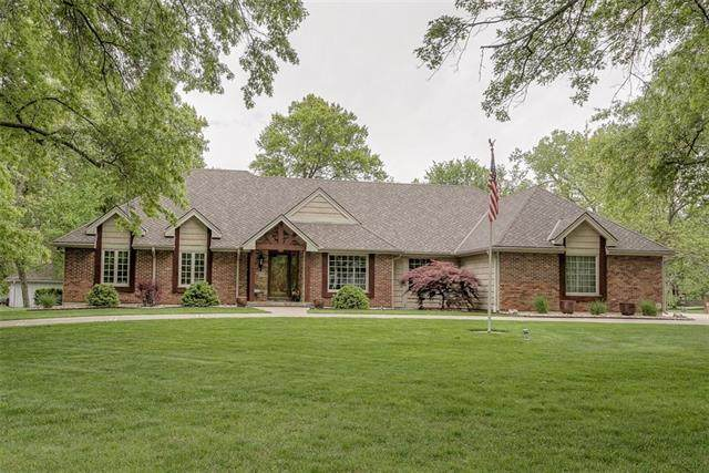 2105 NW Fawn Drive, Blue Springs, MO 64105 (#2321035) :: Team Real Estate
