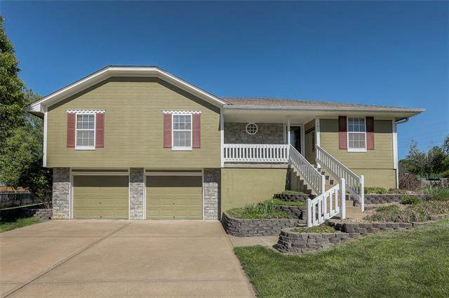 1019 Redwood Drive, Raymore, MO 64083 (#2321045) :: Austin Home Team