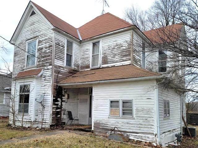 406 E Forest Street, Harrisonville, MO 64701 (#2321046) :: Austin Home Team
