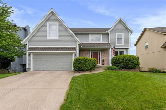 6607 W 147th Terrace, Overland Park, KS 66223 (#2321060) :: Team Real Estate