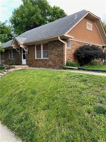 1205 W 48th Street, Kansas City, MO 64112 (#2321061) :: Edie Waters Network