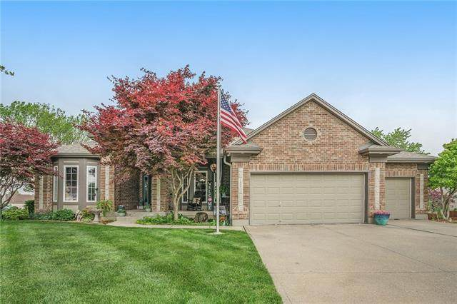1400 SW Crystal Springs Place, Blue Springs, MO 64015 (#2321063) :: Team Real Estate