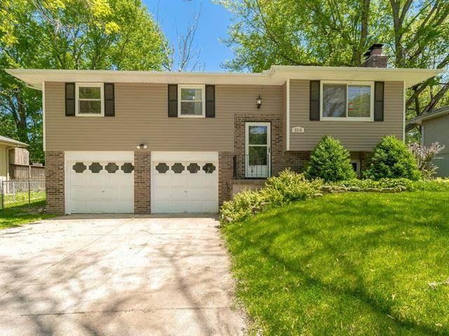 2216 SW 2nd Street Terrace, Blue Springs, MO 64014 (#2321079) :: The Rucker Group