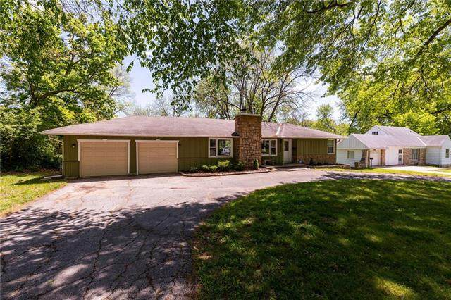 10827 Holmes Road, Kansas City, MO 64131 (#2321093) :: Eric Craig Real Estate Team
