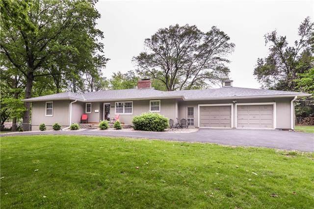 9800 Pennsylvania Avenue, Kansas City, MO 64114 (#2321121) :: Tradition Home Group | Better Homes and Gardens Kansas City